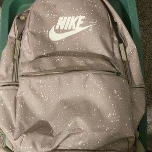 Nike pack